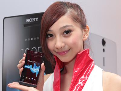 SONY Xperia S 上市動手玩,相機功能強捍、3/2 中華獨賣