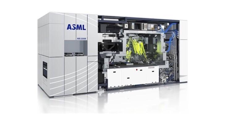 半導體解密:ASML光刻機憑什麼能一廠獨大?台積電總能買到最好的光刻機?ASML有對手嗎?