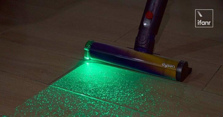 戴森新旗艦 V12 Detect Slim吸塵器上加裝了雷射,因為眼睛看到的乾淨不是真乾淨