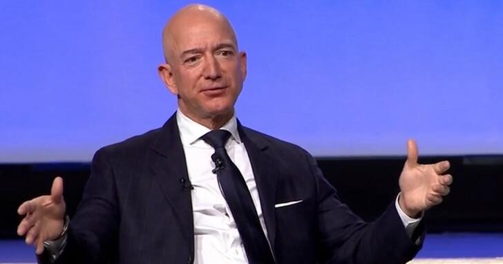 亞馬遜CEO貝佐斯否認他把員工當機器人在操,還表示將用機器人幫助員工減少工作傷害