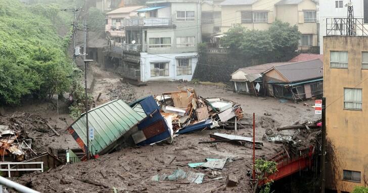 日本靜岡爆發嚴重土石流!多棟民宅瞬間被沖走、20人以上失蹤