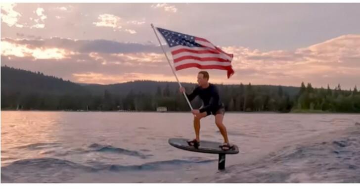 有錢人想什麼你不懂,祖克柏電動沖浪板影片慶祝美國國慶、網友表示無法理解