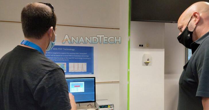 認證豬隊友!Intel執行副總裁秀參觀實驗室照片,卻洩漏研發中Thunderbolt 5詳細參數