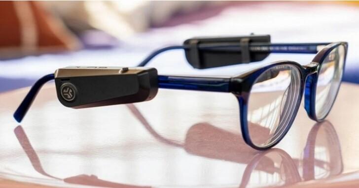 JLabs推出49美元的JBuds鏡腿附件,將普通眼鏡變成智慧語音助手
