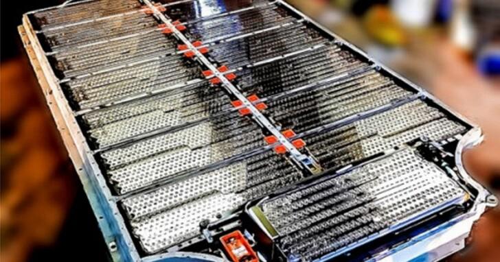 特斯拉舊款車逐漸過保固,官方換電池報價近台幣80萬元