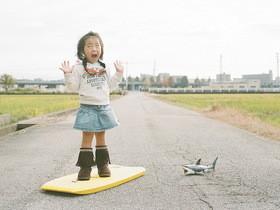 日攝影師長野豊和的搞怪兒童攝影 ,將愛女化身百變女伶!