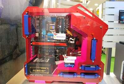 Computex 2012:有趣機殼大蒐集,衝擊傳統的解構、冰箱設計