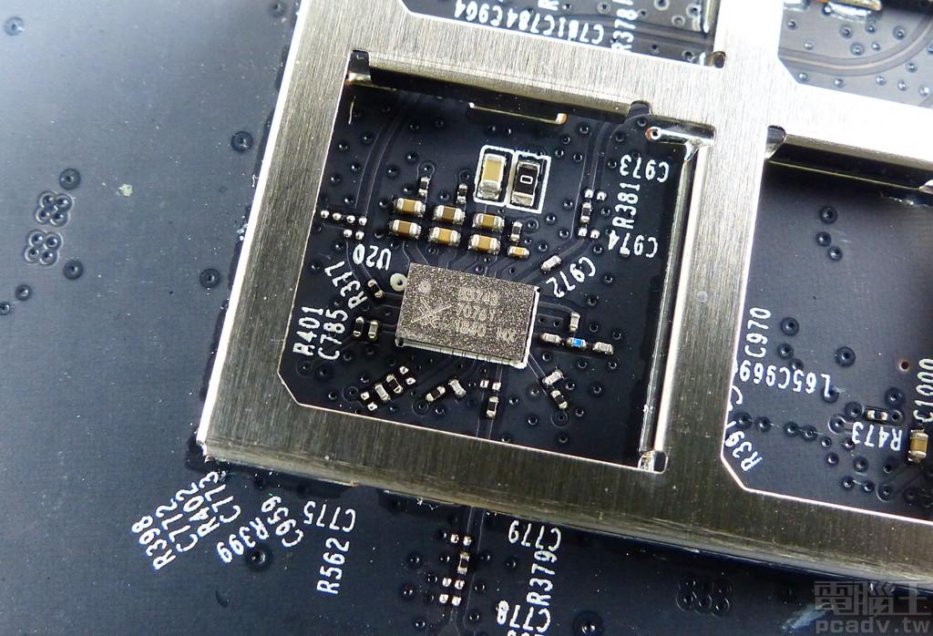 ▲ 5GHz RF 前端模組則是選擇常見的 Skyworks SKY85743。