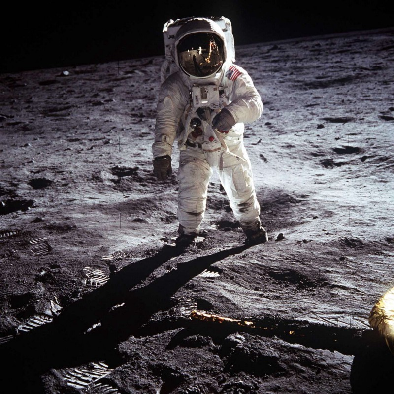 Buzz Aldrin在月球上,或者在Seattle,我也不知道,畢竟我沒去過