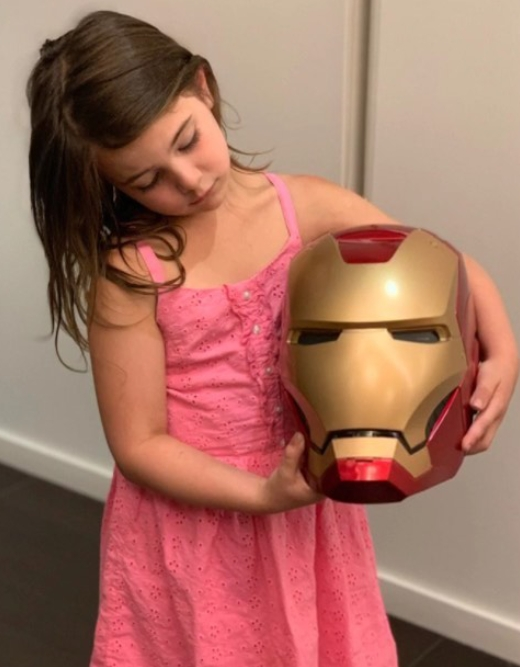 飾演鋼鐵人女兒的七�童星�黑粉,在IG�片呼籲「請不要再欺負我以及我的家人」