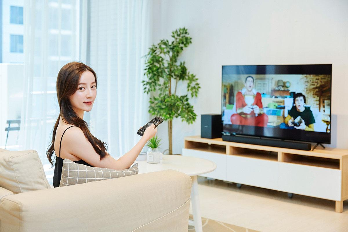 惊艳画质、丰富色彩,飞利浦 55PUH6004 大型液晶电视手动把玩