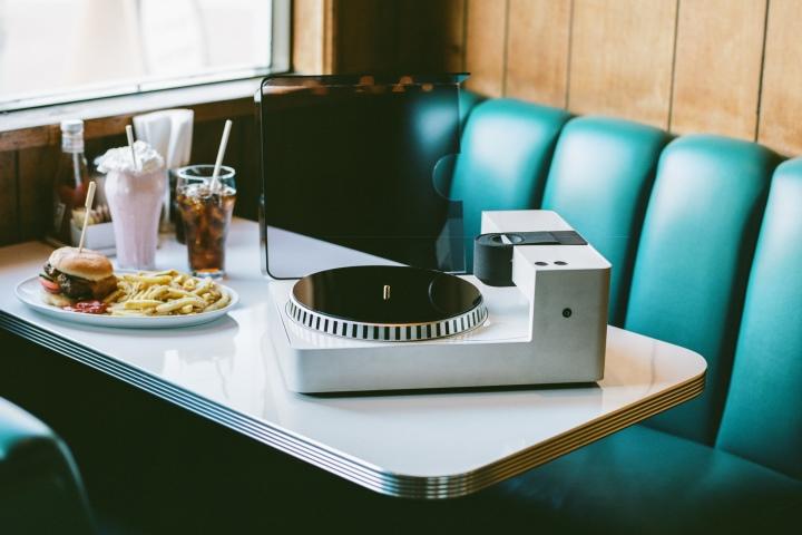 Phonocut的外觀與一般黑膠唱機相似。(圖片來源:Lousy,僅提供於產品介紹使用,下同)