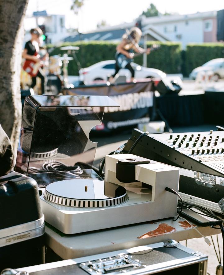 由於Phonocut的尺寸相當輕巧,因�也能攜帶至戶外錄下表演活動的音樂。