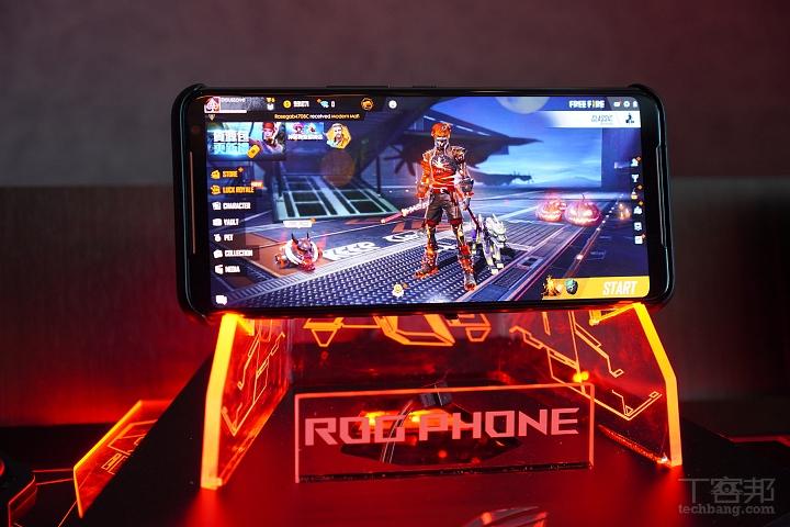 ROG Phone II 五大電信 11/1 開賣,11/29 紳士黑新色上市售價 32,990 元