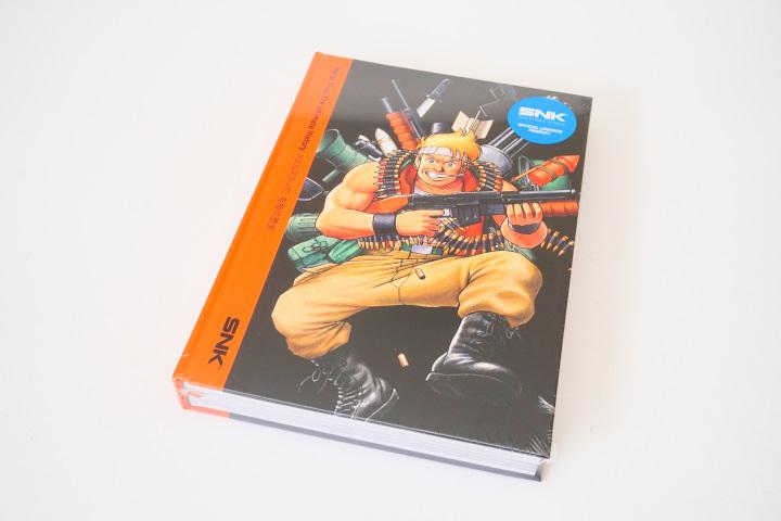 書籍本身也有一層熱縮膜包裝。