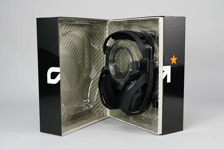 打開內箱即可看到 A50 耳機,保�性相當紮實。