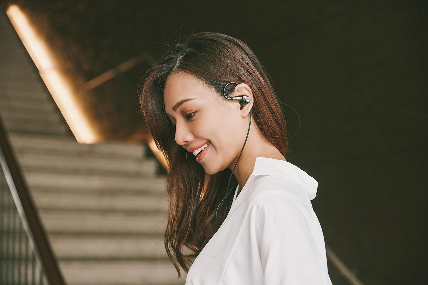 極致美聲,絕無他選!世界首款複合型圈鐵單體構造入耳式耳機 Audio-Technica ATH-IEX1 試聽報告