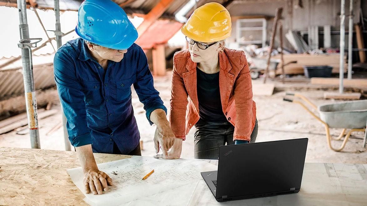 ThinkPad P 系列行動工作站不僅便攜,而且可靠度極高,無論身處何種惡劣環境都能維持高效生產力。