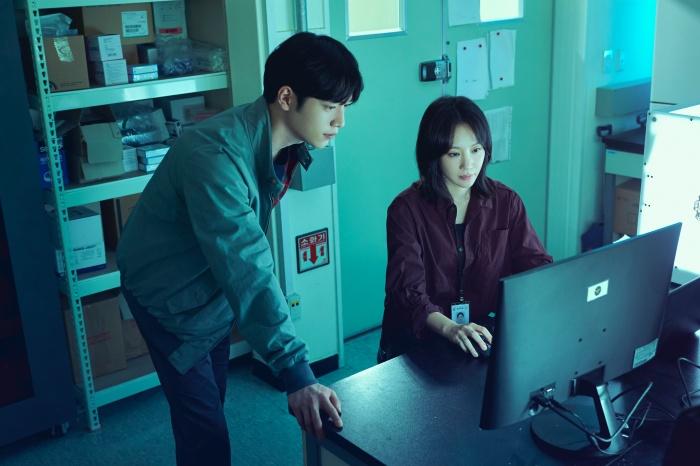 《Grid》是由獲獎編劇李秀妍打造的全新懸疑驚悚片鉅作。